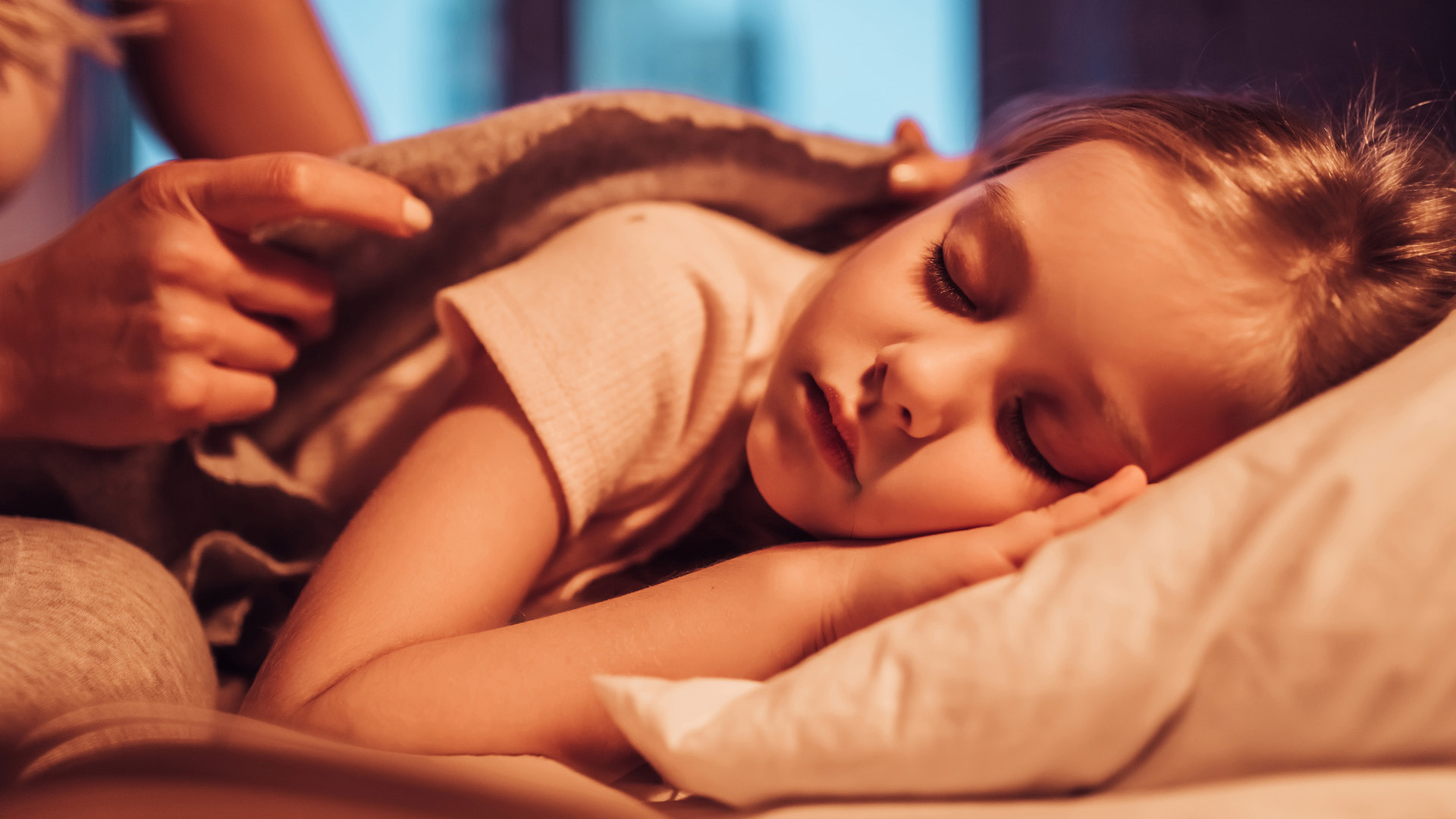 Van, akiknek könnyedén megy, más hosszú ideig szenved azért, hogy külön alvásra szoktassa a gyereket