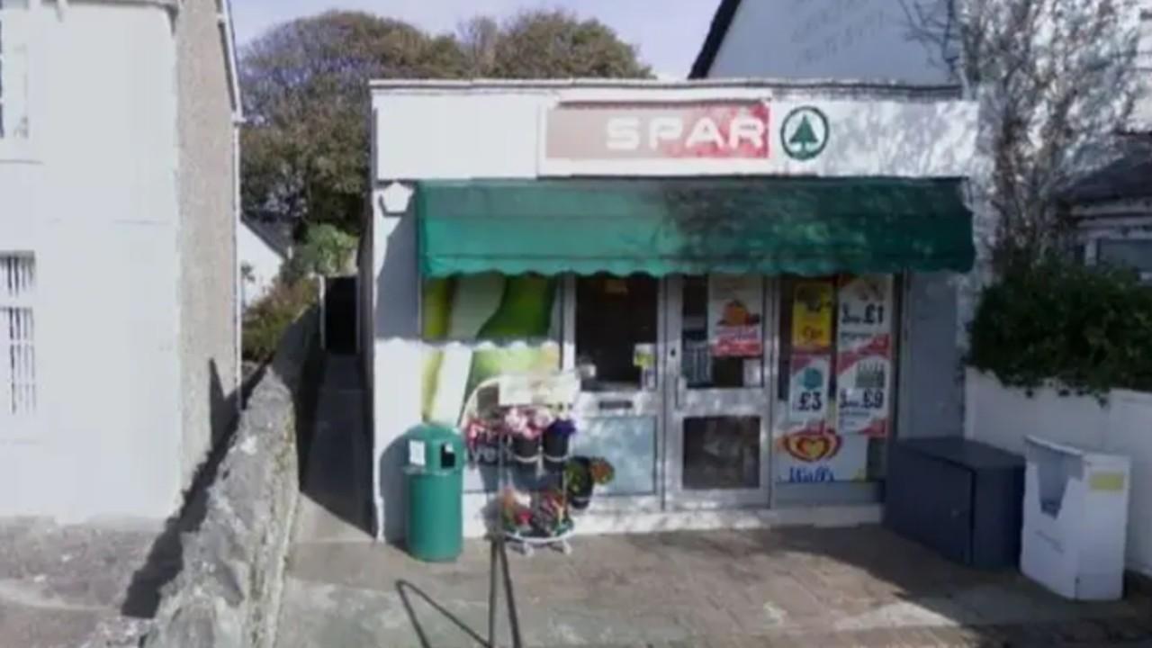 A ház, amikor még Spar bolt volt (fotó: Elizabeth Williams)