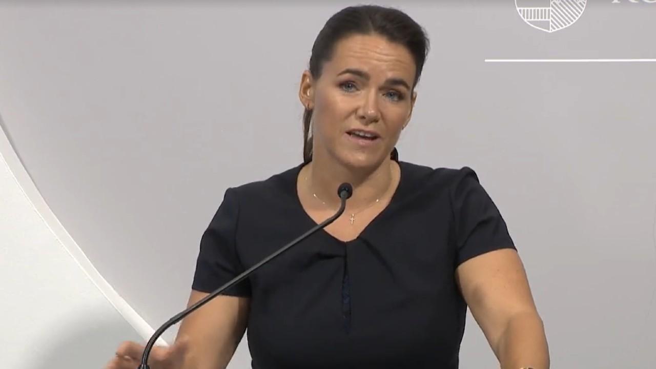 Novák Katalin a sajtótájékoztatón