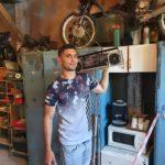Petri Viktor az autóműhelyben árult el részleteket a Keresztanyu forgatásáról