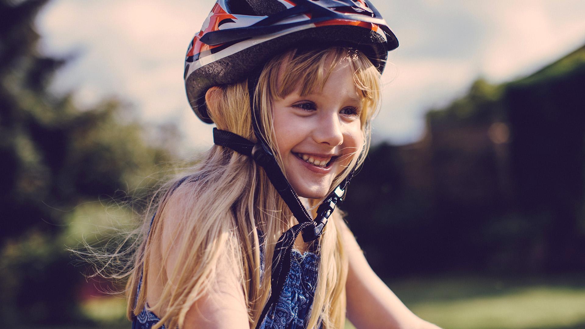 Biciklis kislány