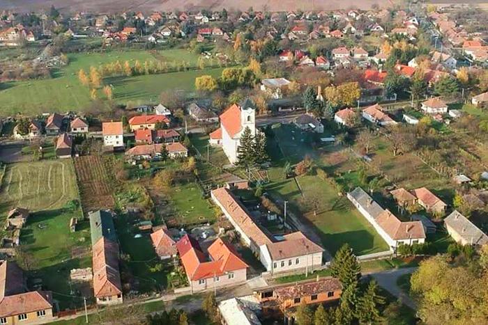Letkés (Fotó: ilovedunaknyar.hu)