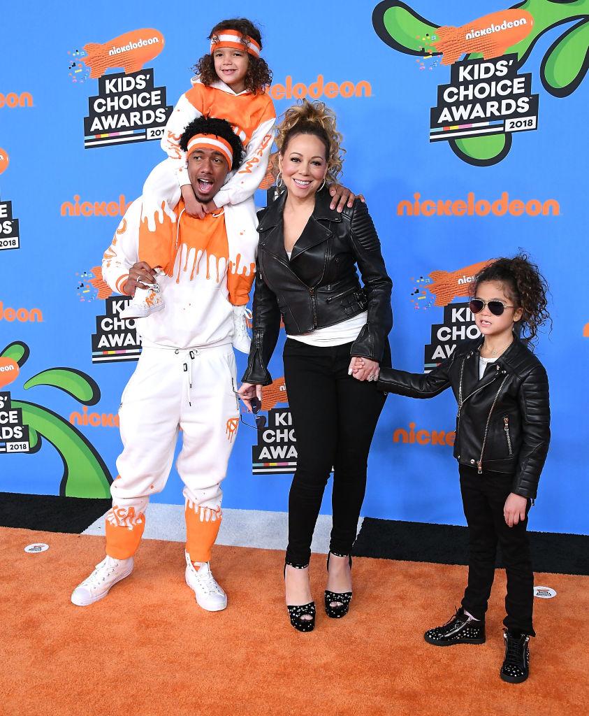 Monroe Cannon, Mariah Carey, Nick Cannon, és Moroccan Scott Cannon a Nickelodeon 2018-as Kids' Choice Awards gálájára együtt mentek