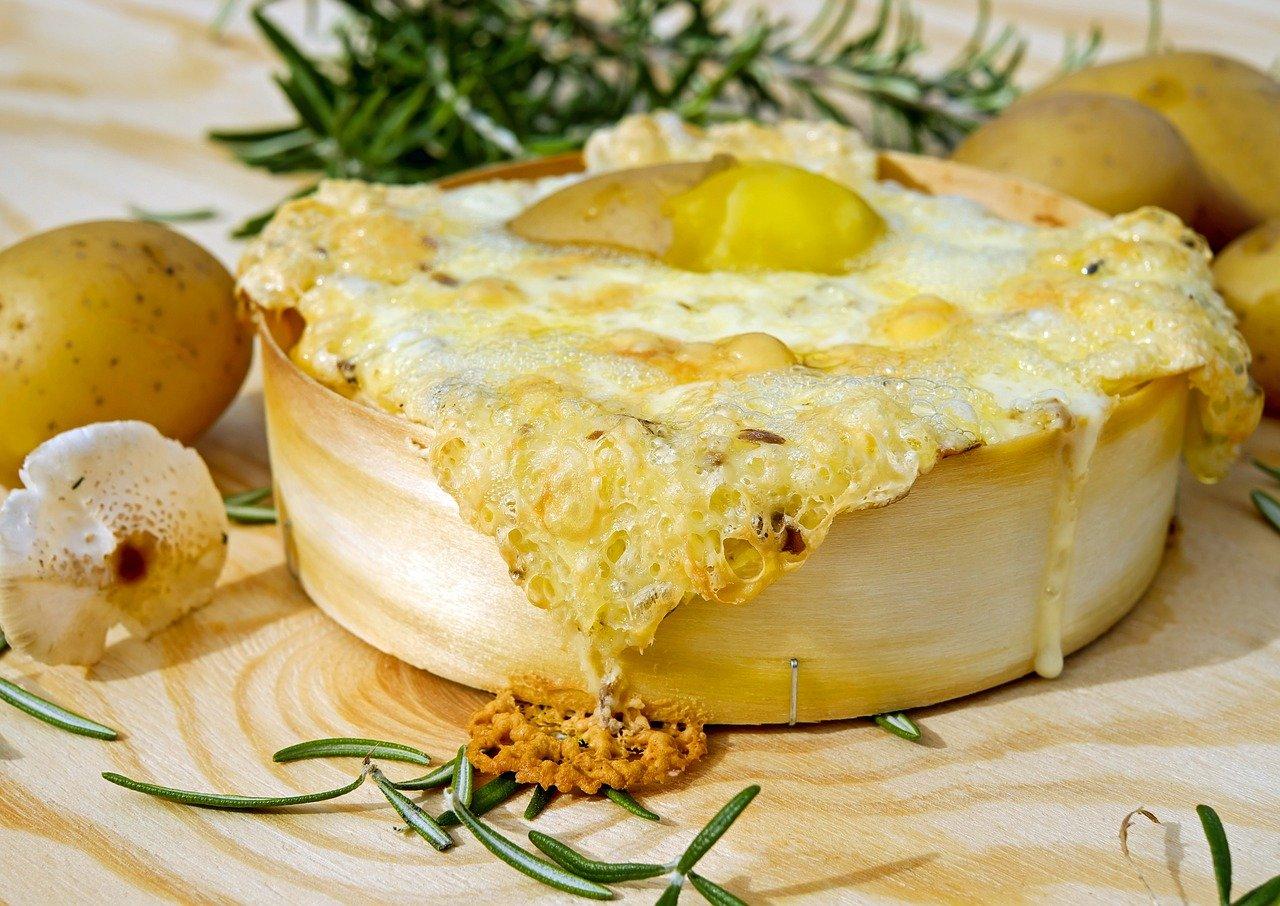 rakott krumpli, sajtos-tejfölös