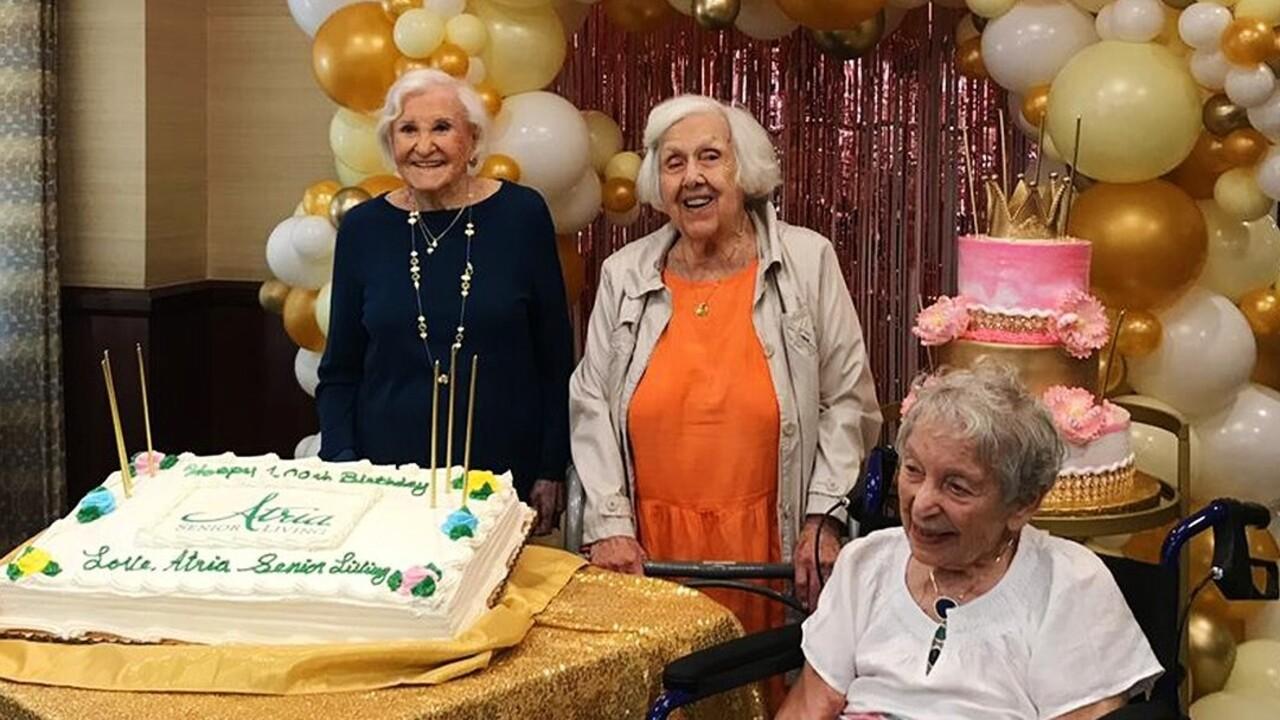 Három barátnő együtt ünnepelte 100. születésnapját a koronavírus elleni vakcina után