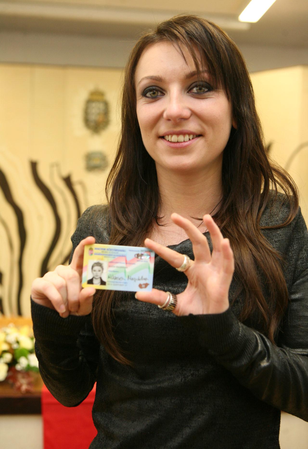 Rúzsa Magdi megkapta a magyar állampolgárságot