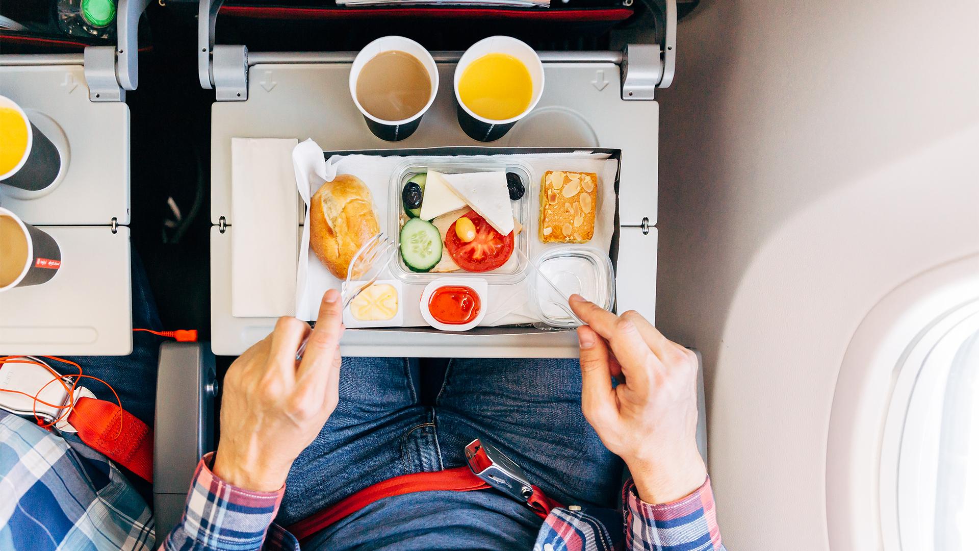 Kedvenc repülős ételeit készíti el otthon az utazó blogger