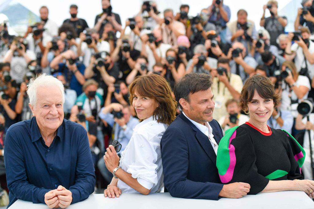 Andre Dussollier, Sophie Marceau, Francois Ozon és Geraldine Pailhas a Tout S'est Bien Passe filmmel kerültek be a cannes-i filmfesztivál versenyébe