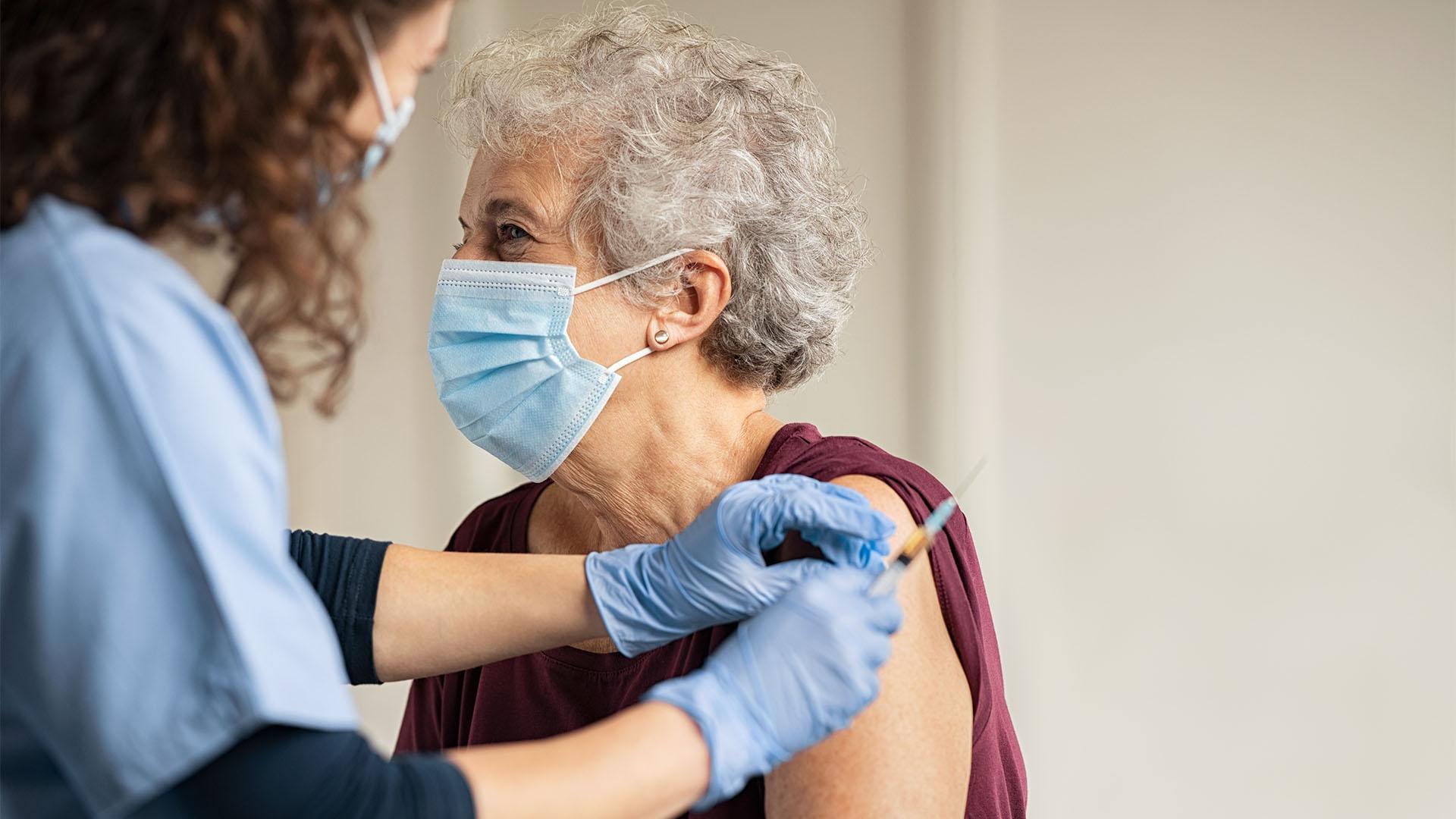 Holnaptól kérhető a harmadik koronavírus elleni oltás