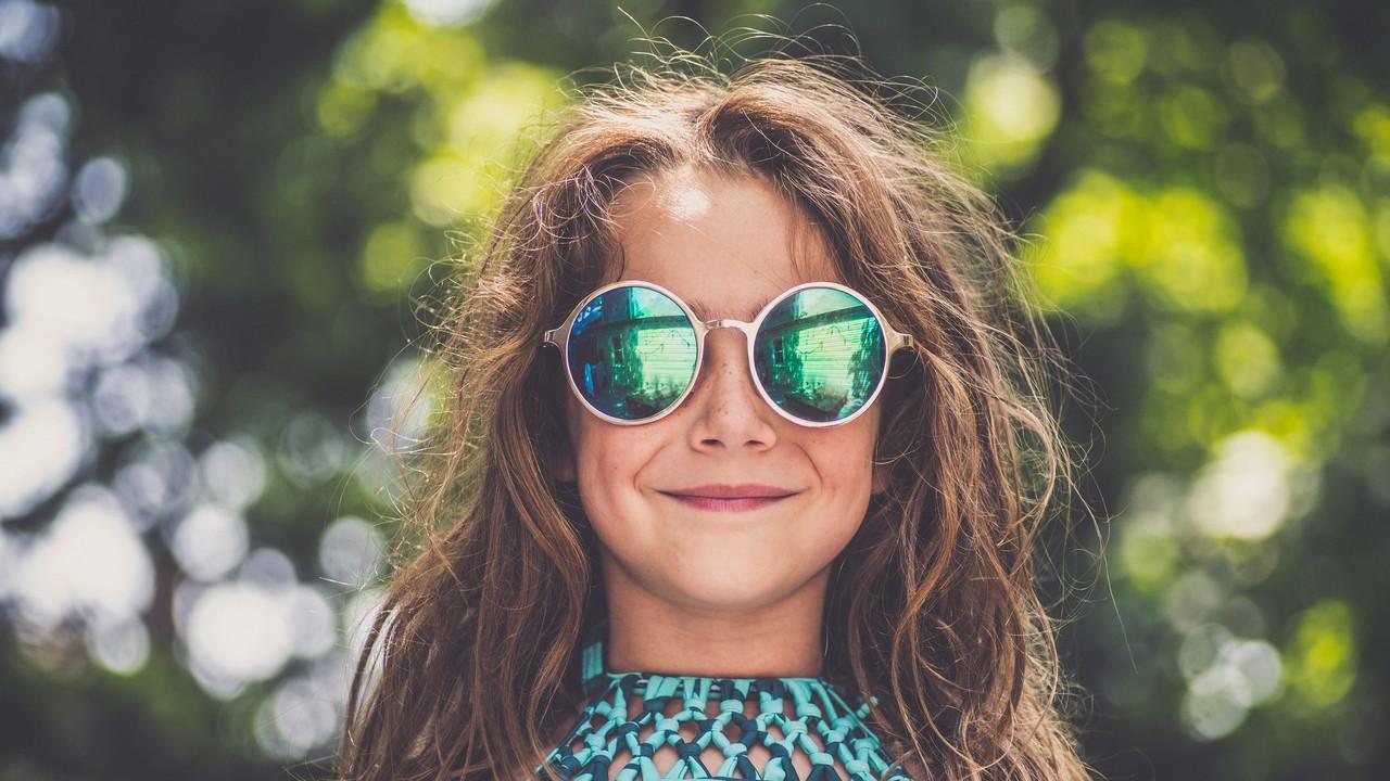 Visszahívnak napszemüvegeket
