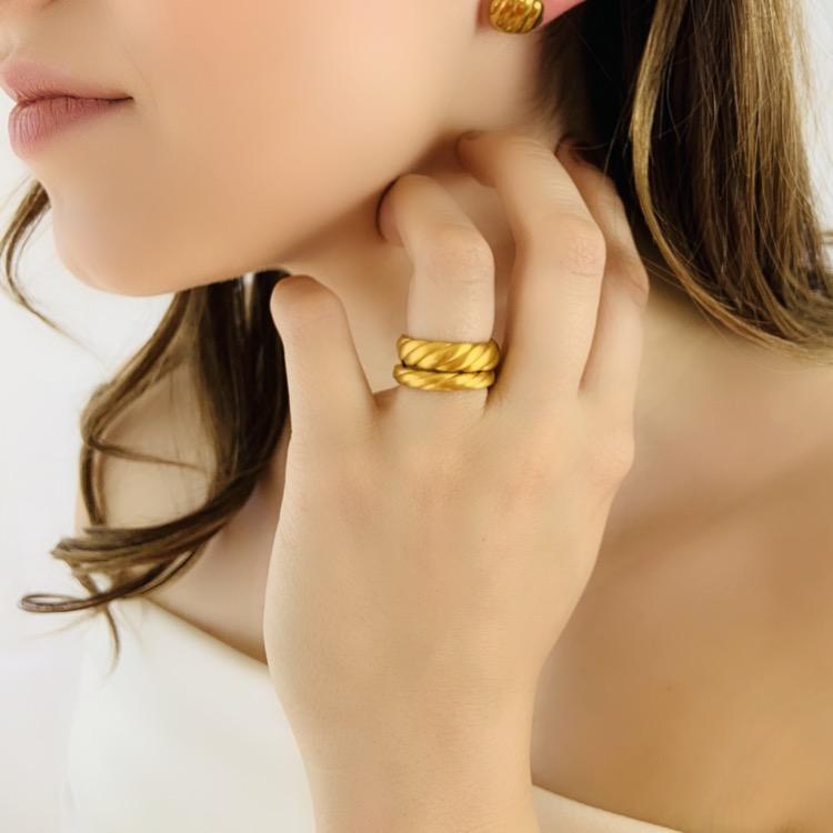 Generation Collection - újrahasznosított aranyból készítik az ékszereket.