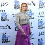 Jennifer Lopez egy rendezvényen, látványos sminkkel