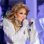 Jennifer Lopez a színpadon értjető módon erős sminket szokott kapni