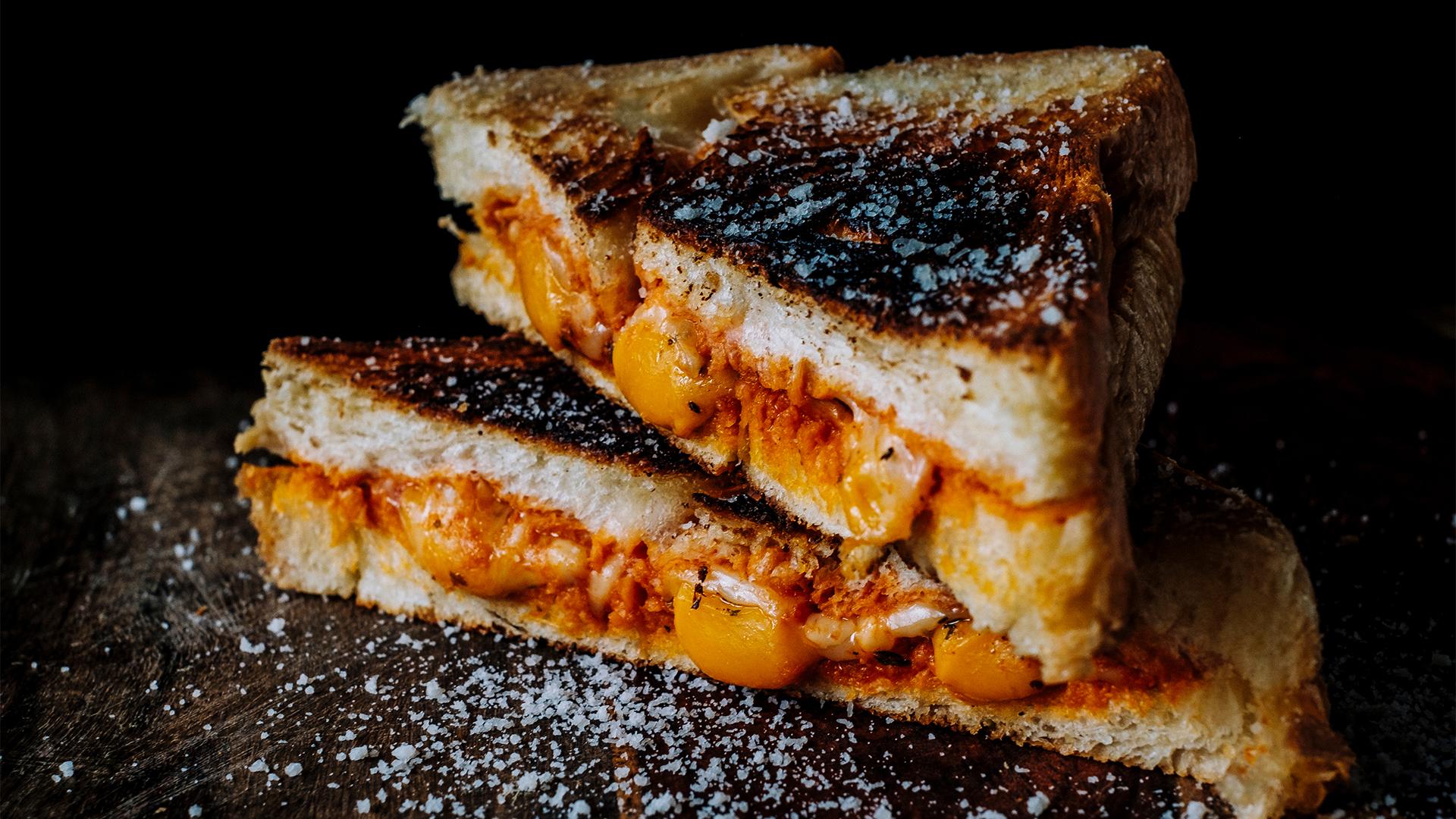 Több tízezer forintot is elkérnek egyetlen sajtos szendvicsért