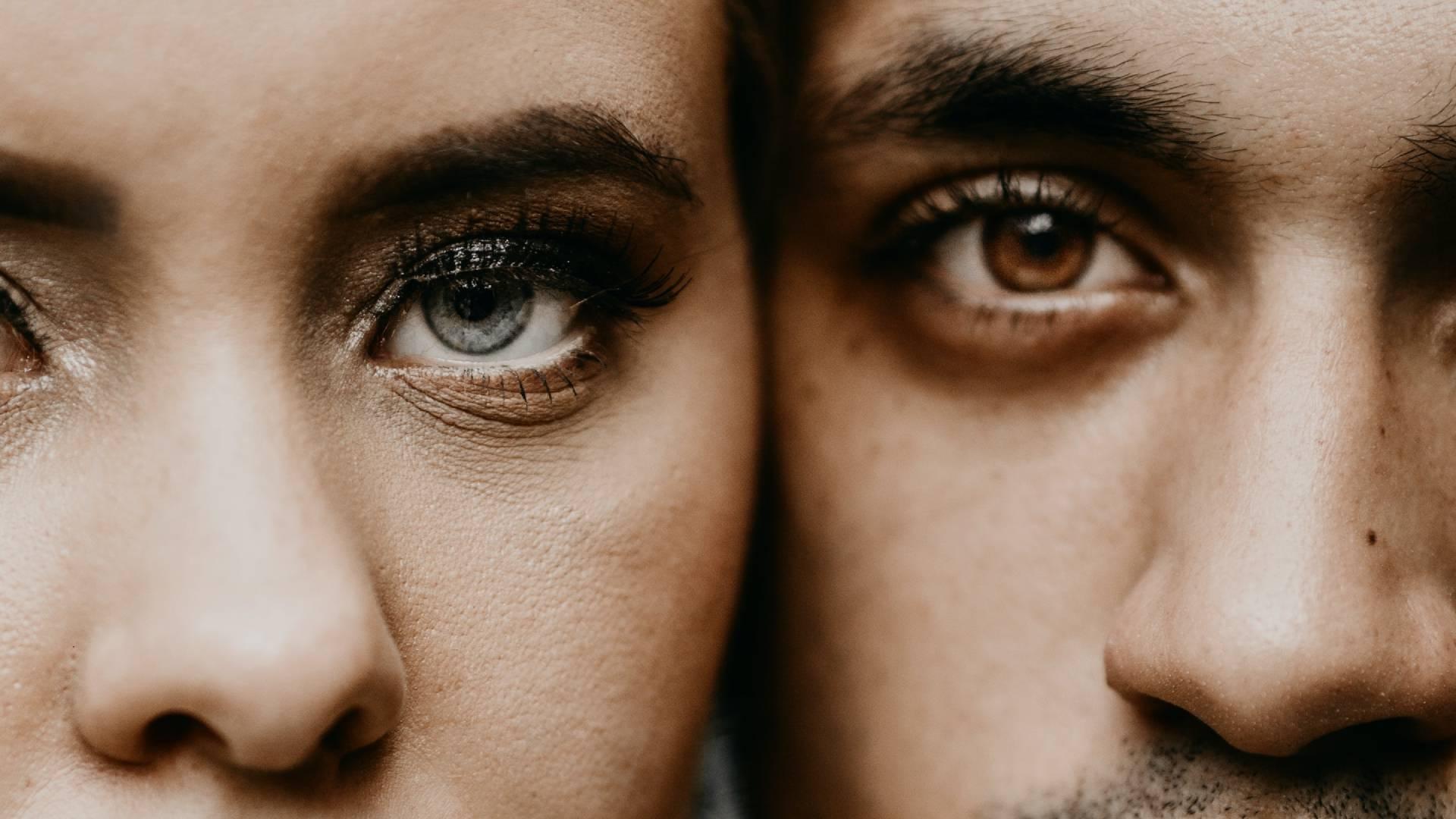 férfi és nő páros szemei