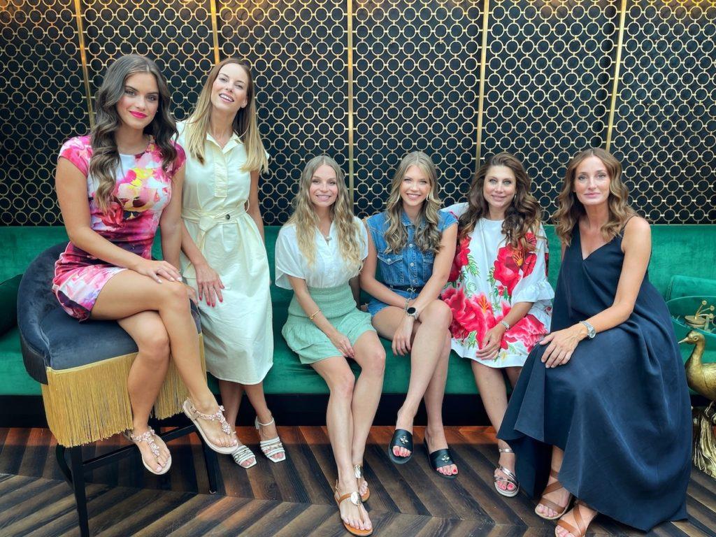 Miss Balaton csapat, ahol mindenki úgy érzi, egy második családra talált: Balogh Eleni, Lipcsei Betta, Iszak Eszti, Epres Panni, Gelencsér Tímea és Horváth Éva