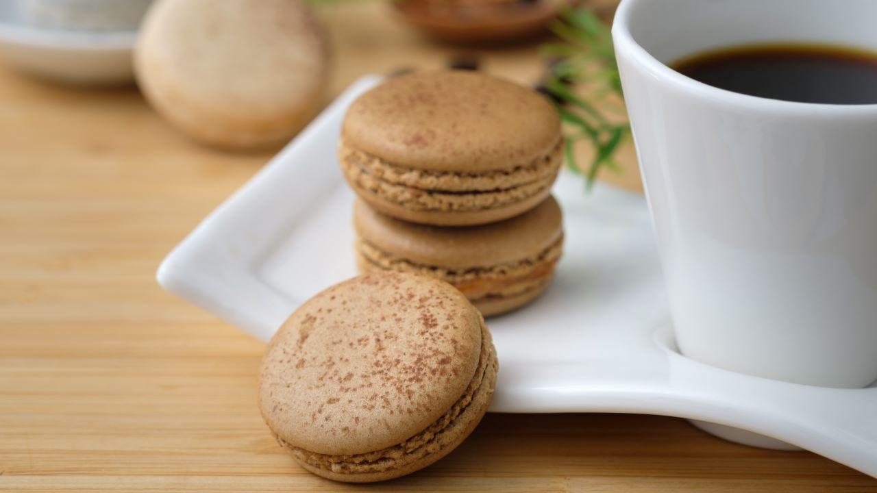 macaron, kávé