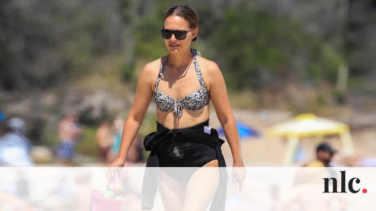 Felejtsük már el a tökéletességet és a sztereotípiákat! – Hírességek bikiniben a tengerparton