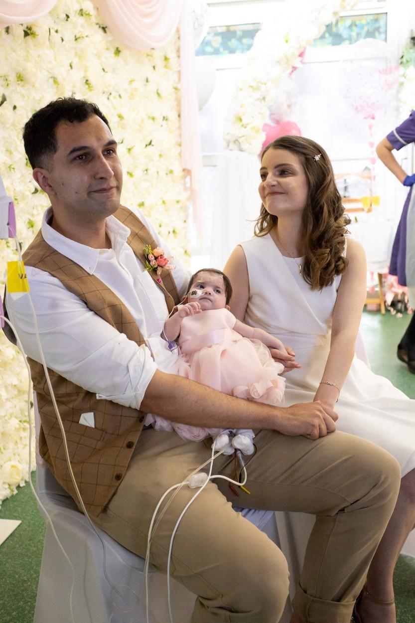 Kislányuk kórházi szobájában mondták ki a boldogító igent (fotó: Profimédia)