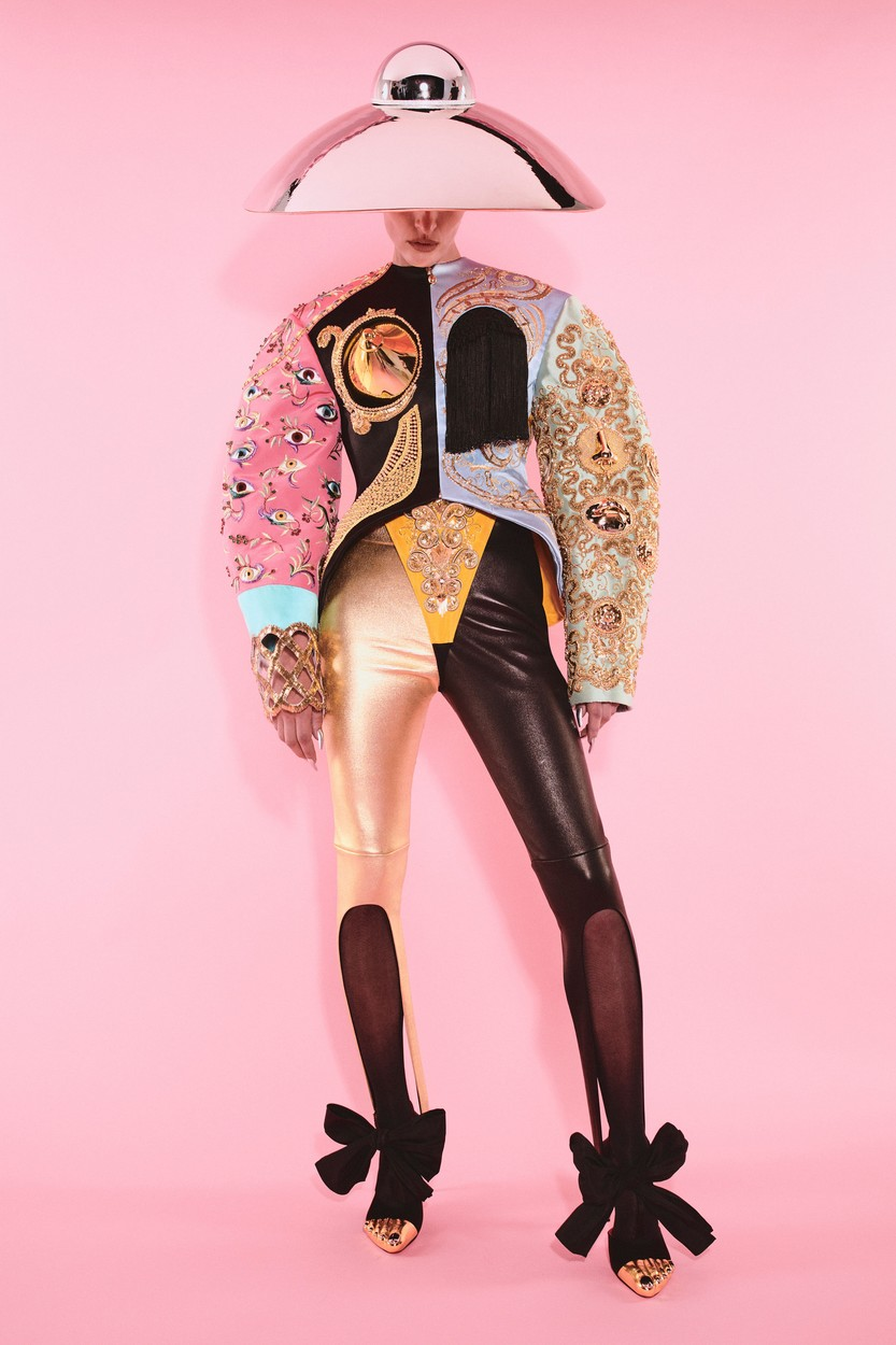 Schiaparelli Haute Couture 2021/22 ősz-tél (Fotó: profimedia)