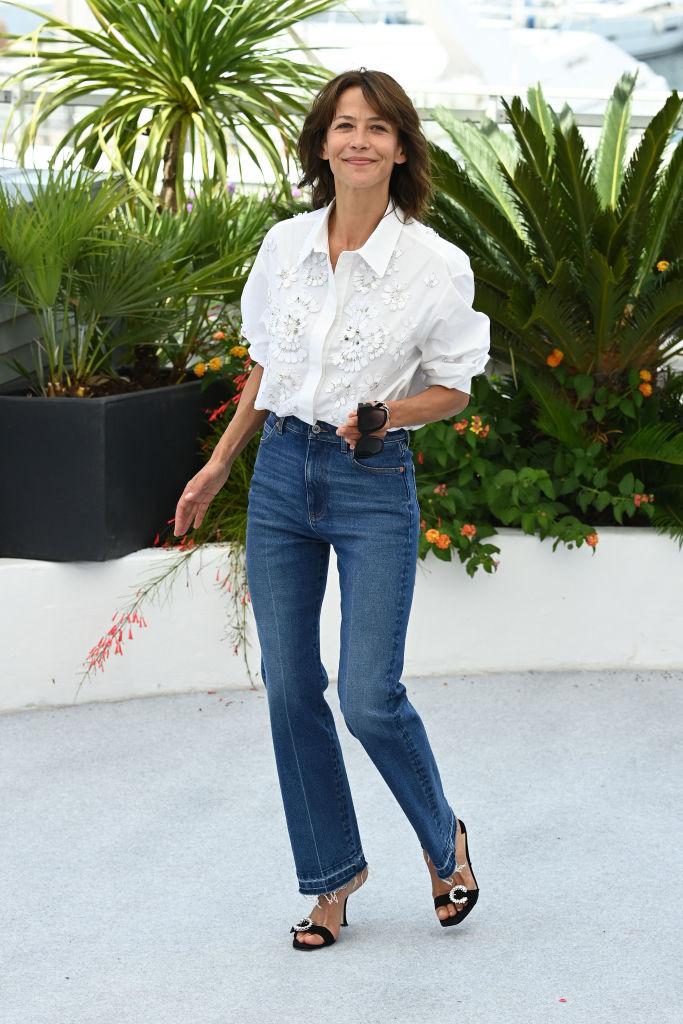 Sophie Marceau csupa mosoly a Cannes-i Filmfesztivál vörös szőnyegén