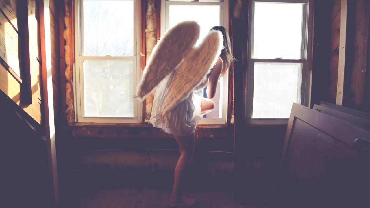 angyal az ablakban