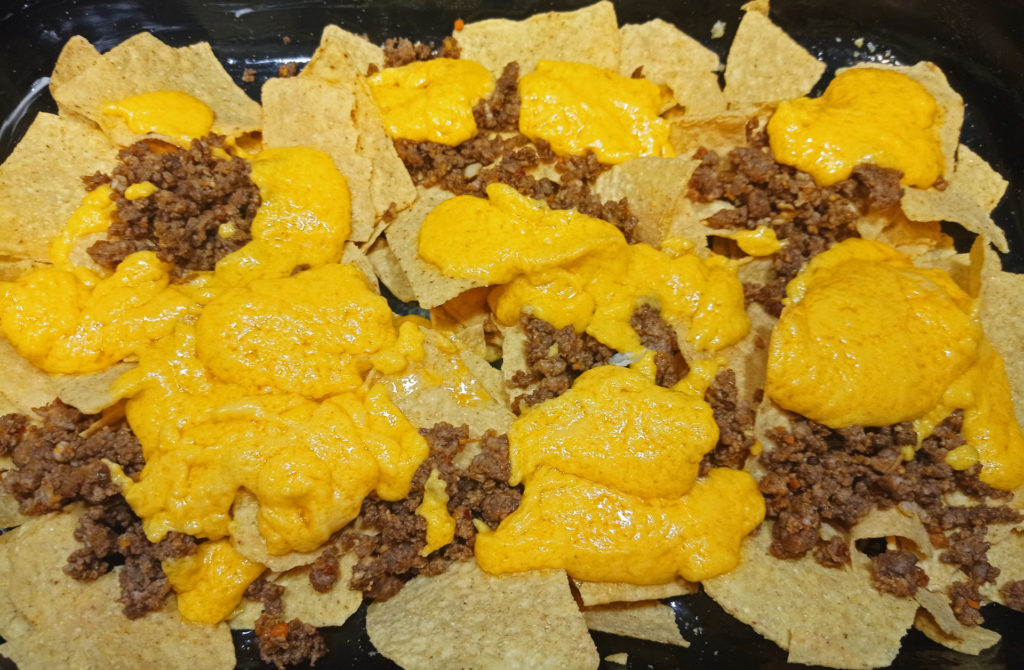 Tepsiben sült nachos grande