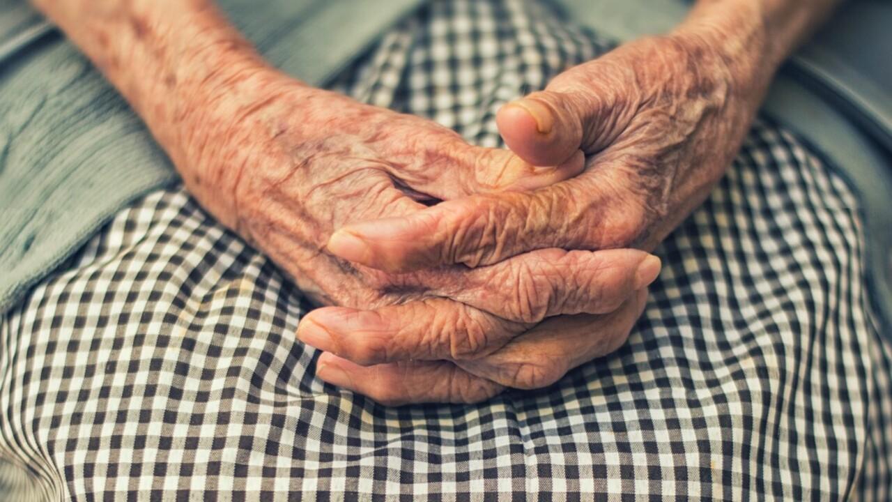 nyugdíjas