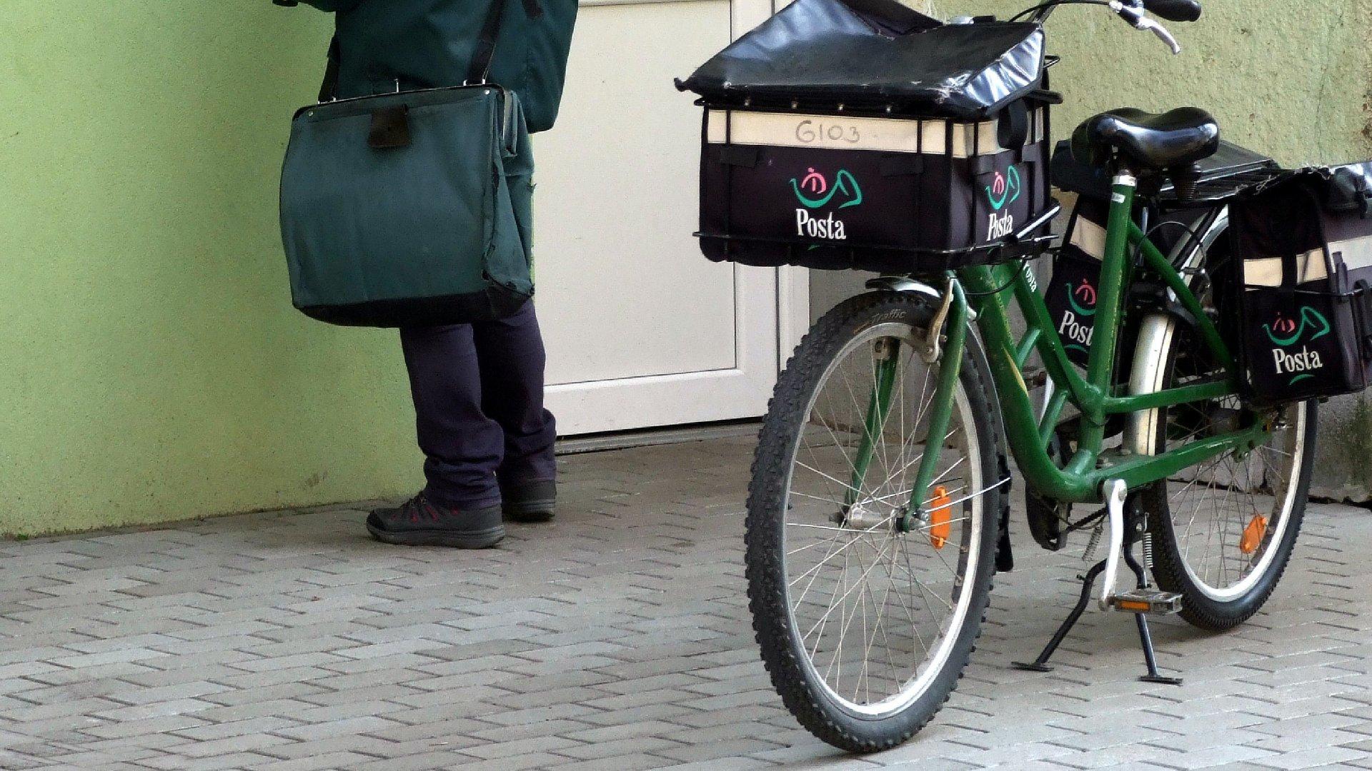 Postás biciklivel