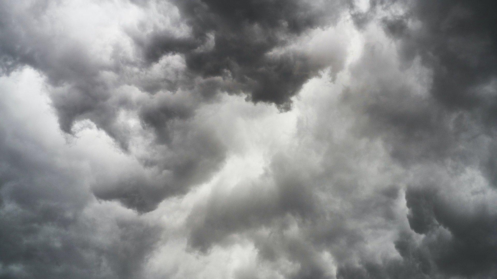 Sötét felhők