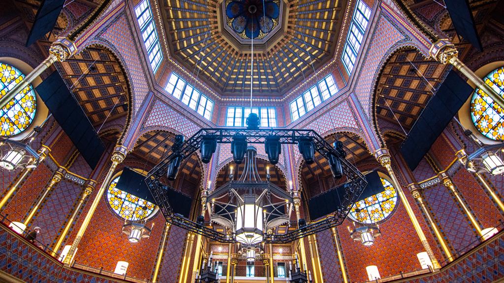 Lélegzetelállító, keleties varázs – koncertek a felújított Rumbach zsinagógában (x)
