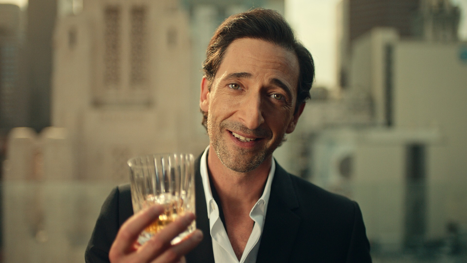 Adrien Brody a Johnnie Walker reklámjában