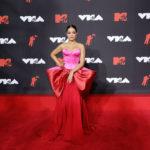 Camila Cabello meseszép ruhában vonult az MTV VMA 2021 vörös szőnyegén