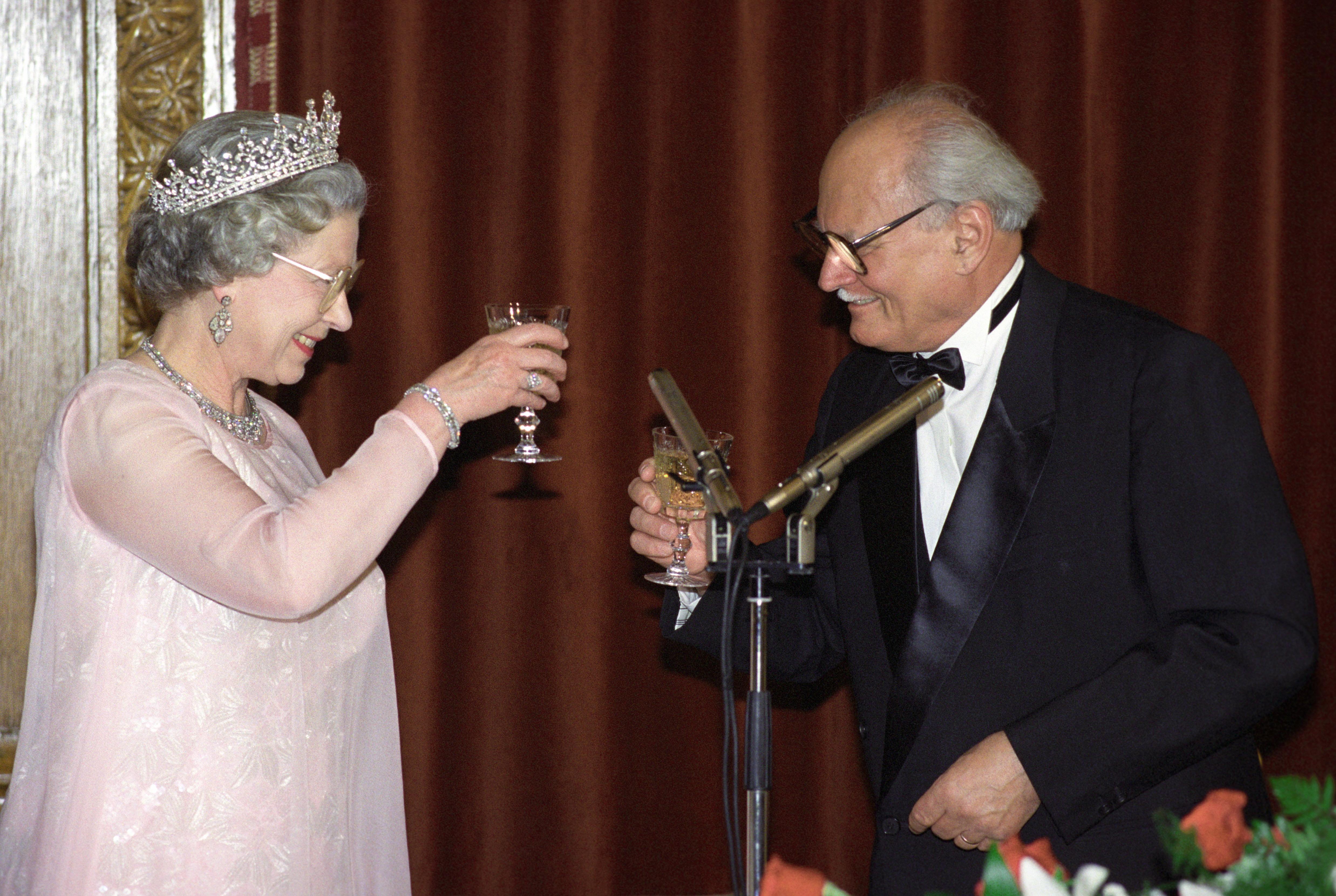 Göncz Árpád és II. Erzsébet