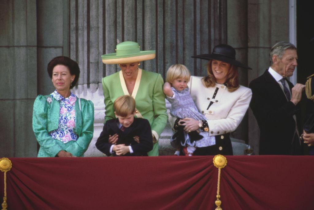 Margit, Diana és Sarah