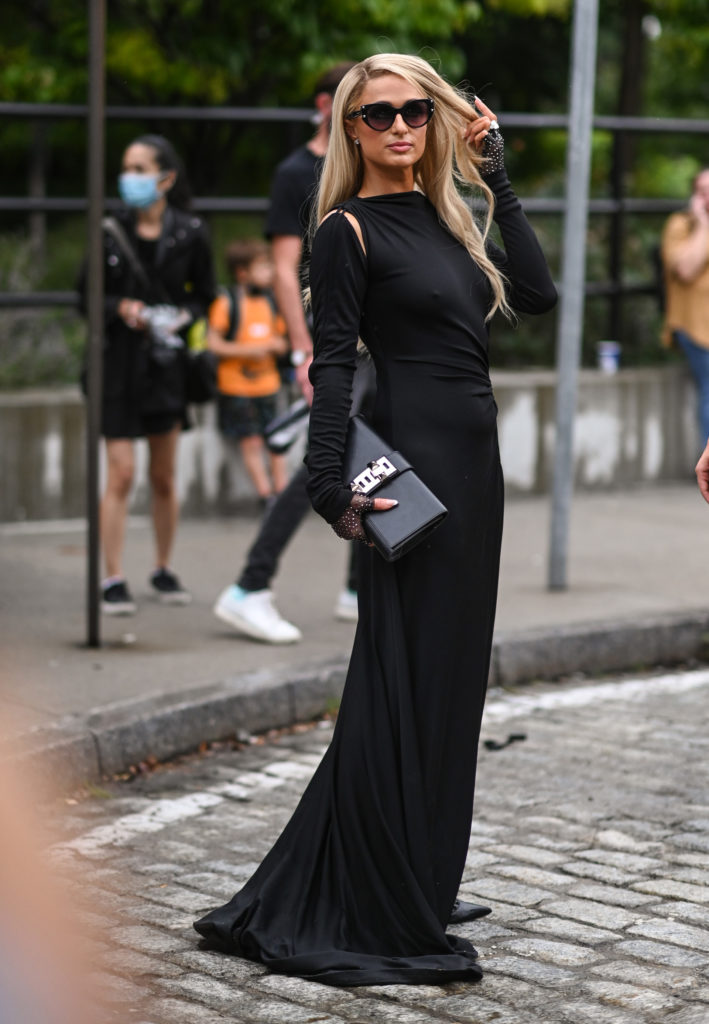 NEW YORK, NEW YORK - SEPTEMBER 09: Paris Hilton seen wearing a Monse dresses outside the Monse show during New York Fashion Week S/S 22 on September 09, 2021 in New York City. (Photo by Daniel Zuchnik/Getty Images)
