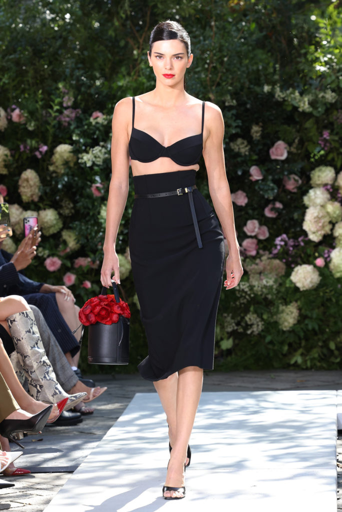 NEW YORK, NEW YORK - SEPTEMBER 10: Kendall Jenner walks the runway at the Michael Kors S/S 2022 show during New York Fashion Week at Tavern on the Green on September 10, 2021 in New York City. (Photo by Taylor Hill/WireImage,)
