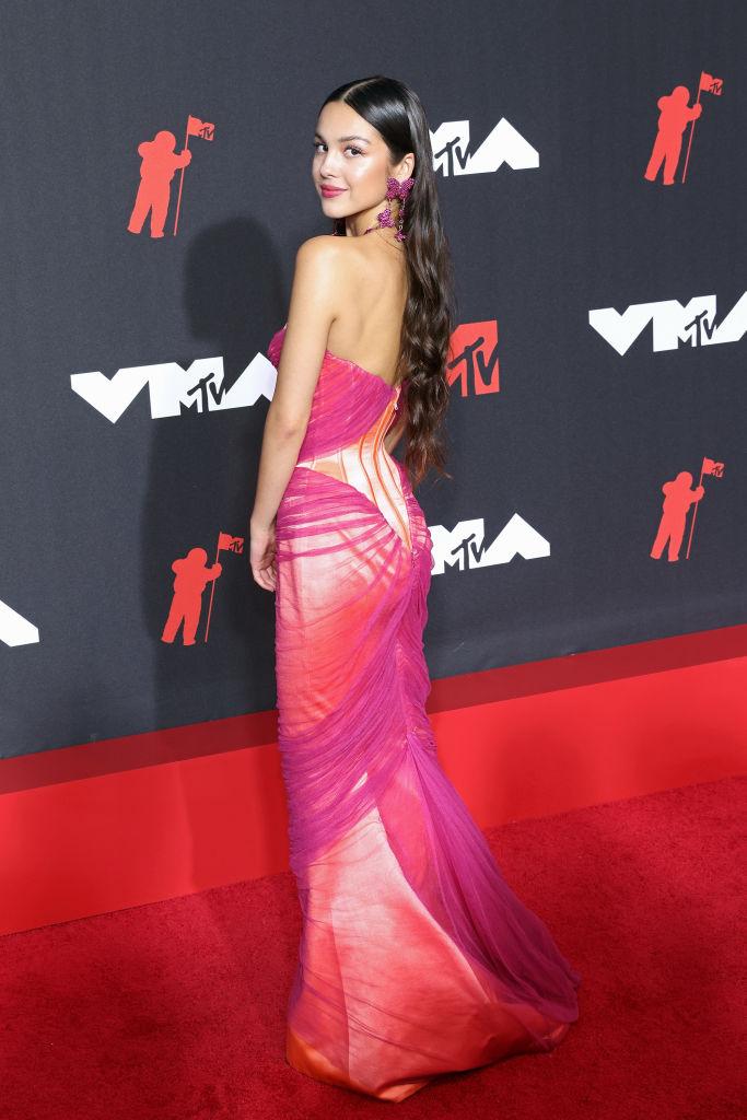 Olivia Rodrigo elegáns ruhában jelent meg az MTV Video Music Awards gálán