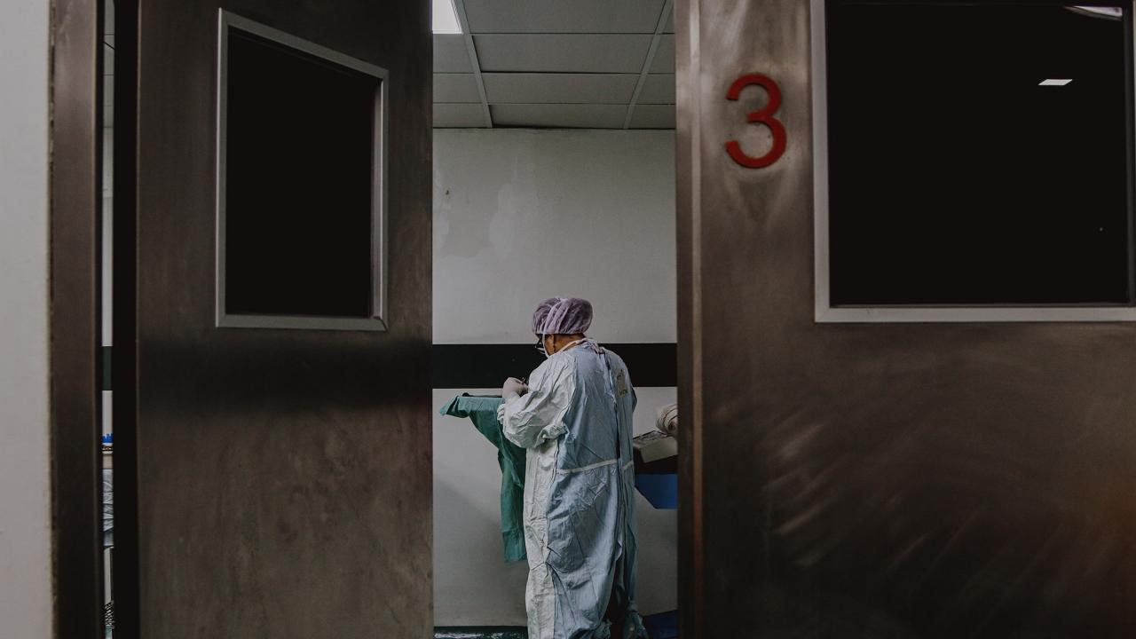 Koronavírus: Magasabb a súlyos esetek száma, mint tavaly ilyenkor