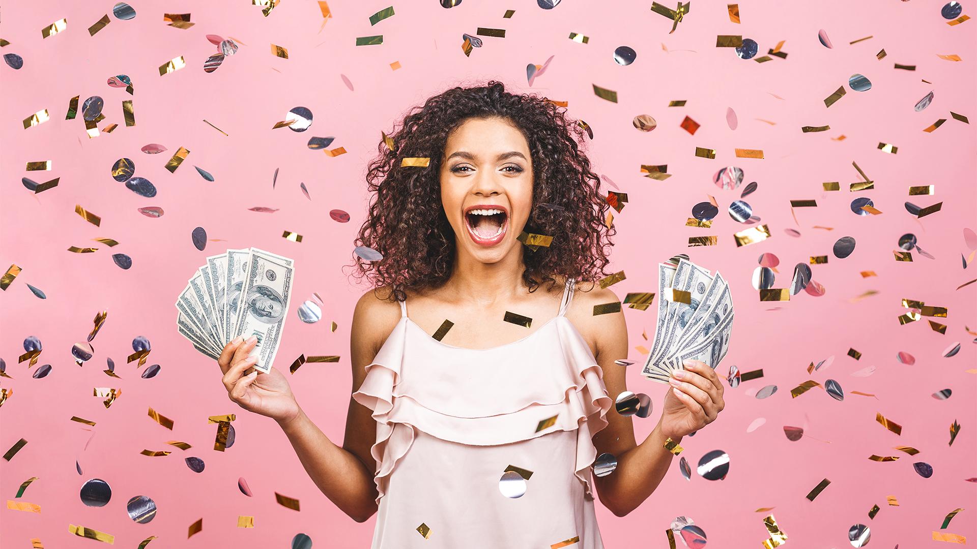 Rengeteg pénzt nyert az ajándék lottóval egy nő