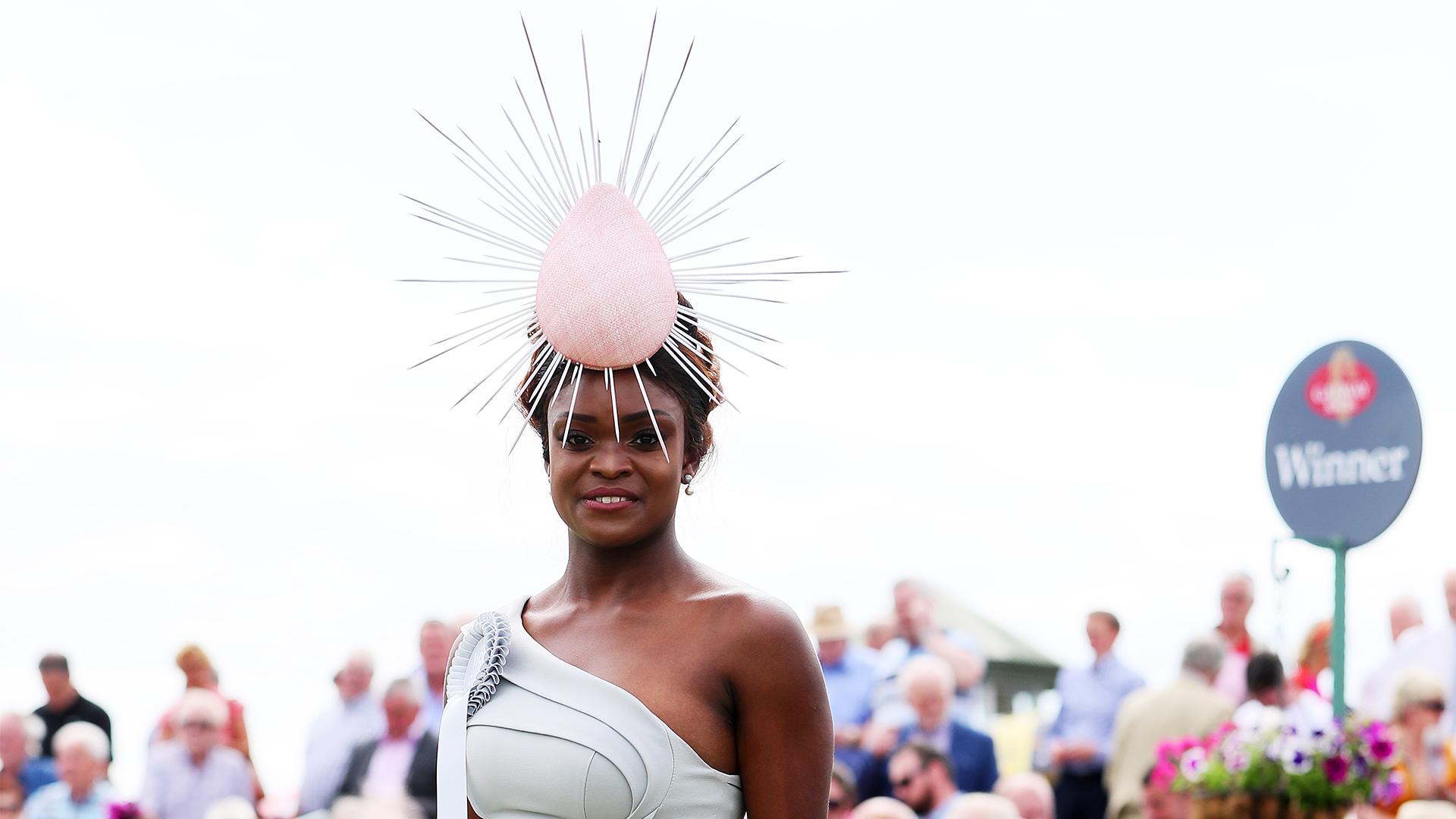 Pamela Uba lett Írország első fekete szépségkirálynője