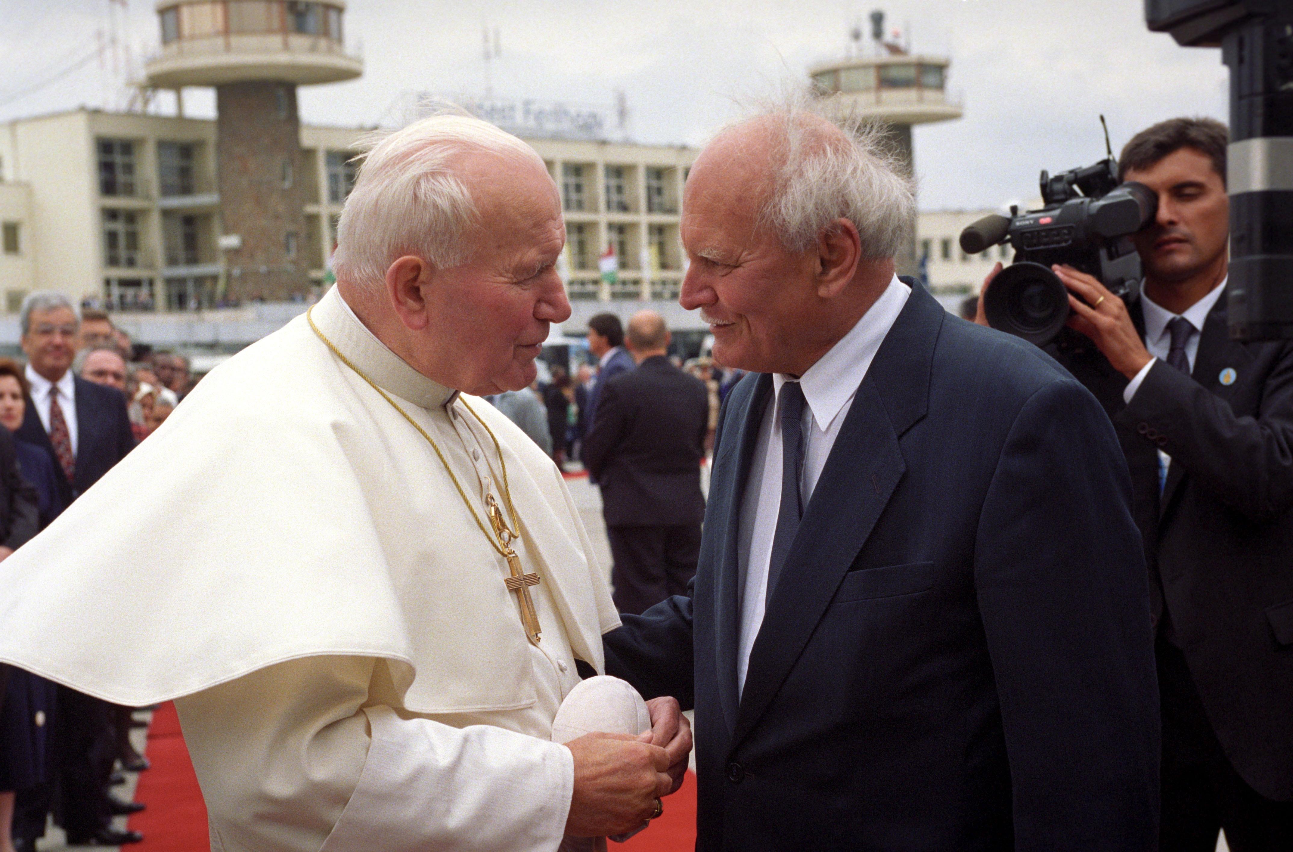 A pápa és Göncz Árpád