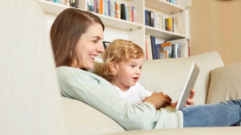 A virtuális játékoknak ma már teljes értékű helye van a gyerekek nevelésében, de nem váltják ki a hagyományos, analóg játékokat. (fotó:profimedia.hu)