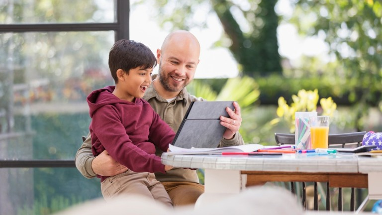 Az igazán jó digitális játékok felkeltik a gyermek alkotókedvét és fejlesztik a képességeit (fotó: profimedia.hu)