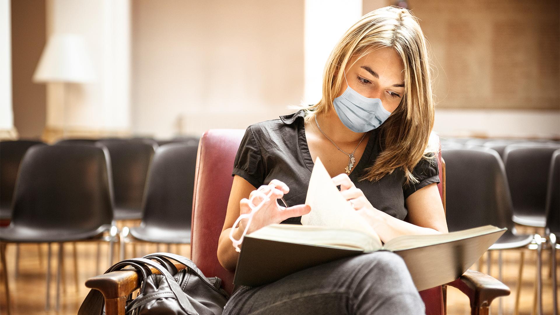 Nem kezdhetik meg a félévet az oltatlan hallgatók az orvosi egyetemen