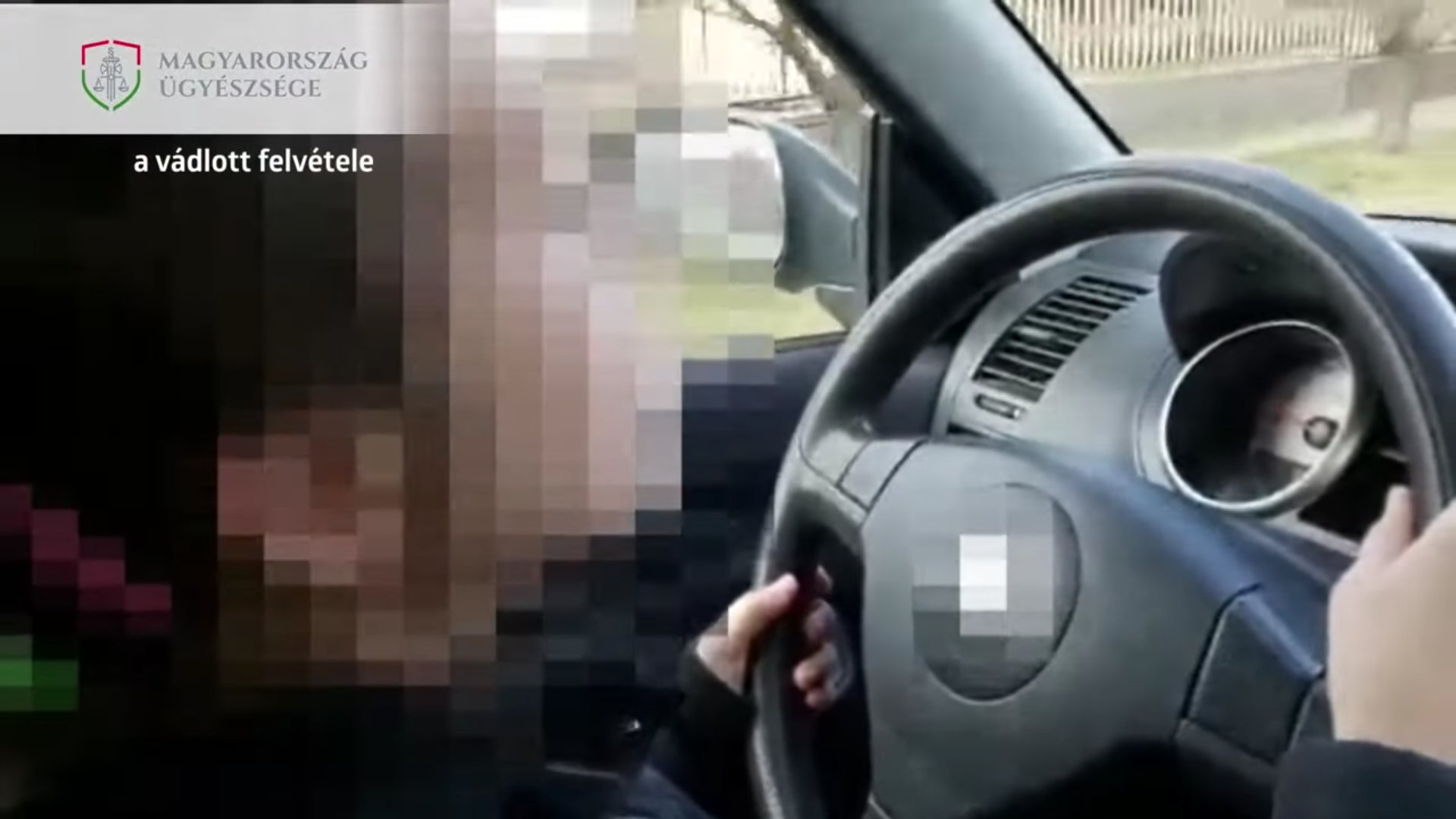 10 éves kislány vezette az autót