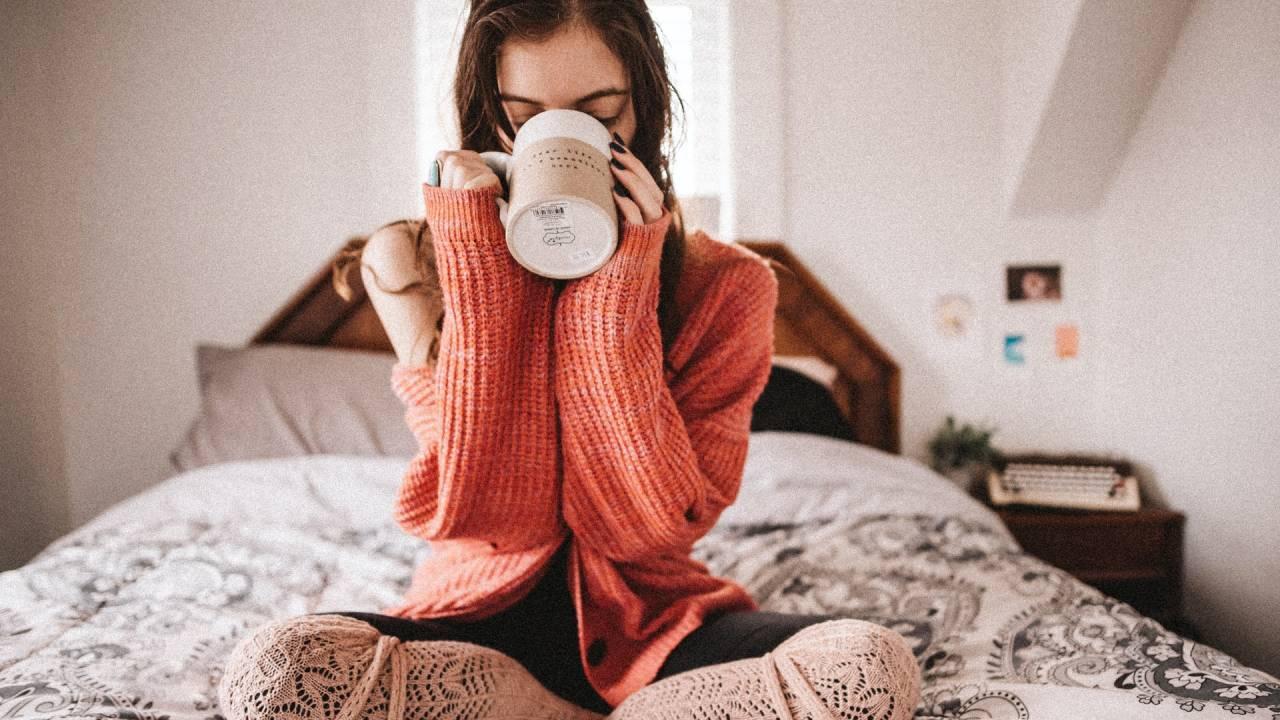 teát ivó nő