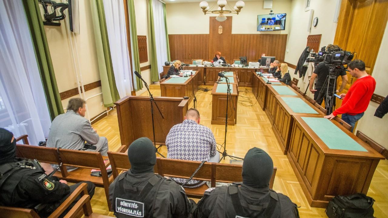 a Fővárosi Törvényszék épületeiben kötelező lesz a maszkhordás