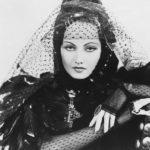 Merle Oberon Antonita szerepében, egy 1934-es darabban