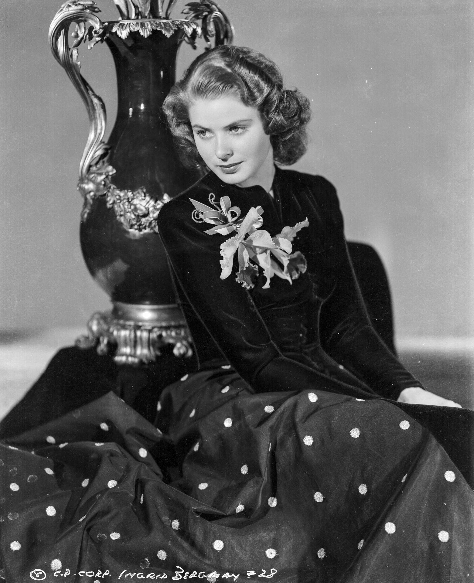 Ingrid Bergman pöttyös szoknyában - 1941.